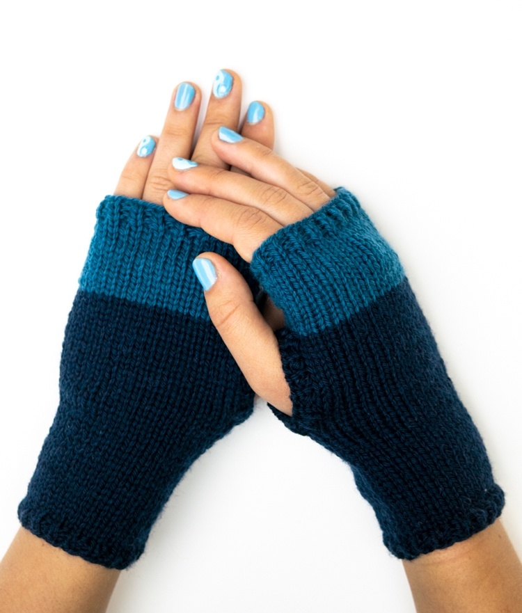 Make this Fingerless Gloves Knitting Pattern