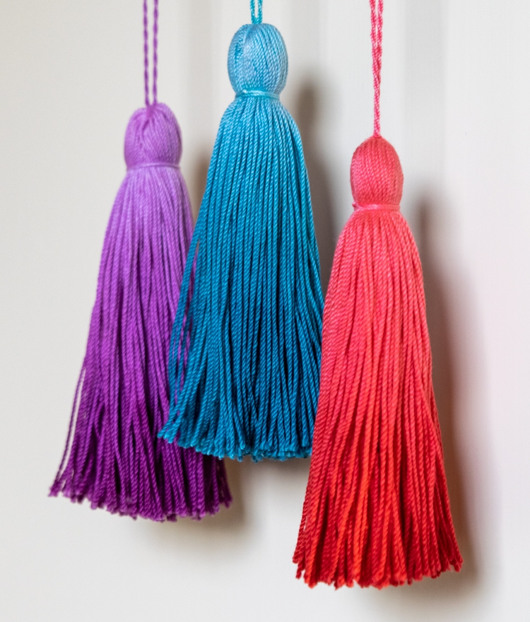 How to Make the Cutest Dip-dyed Ombre Tassels