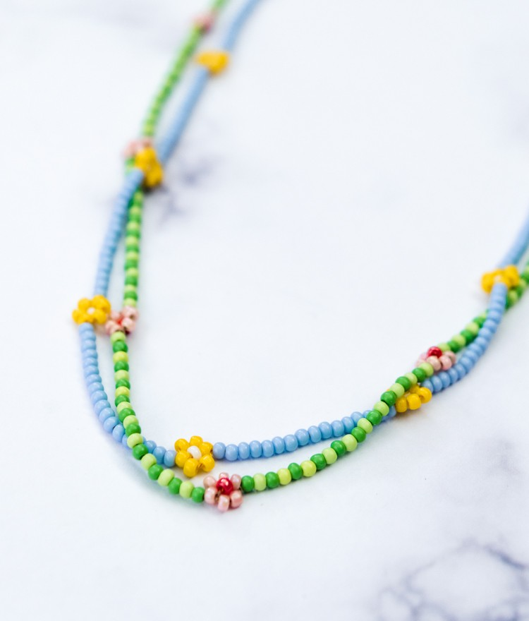 Make a Daisy Chain Seed Bead Necklace