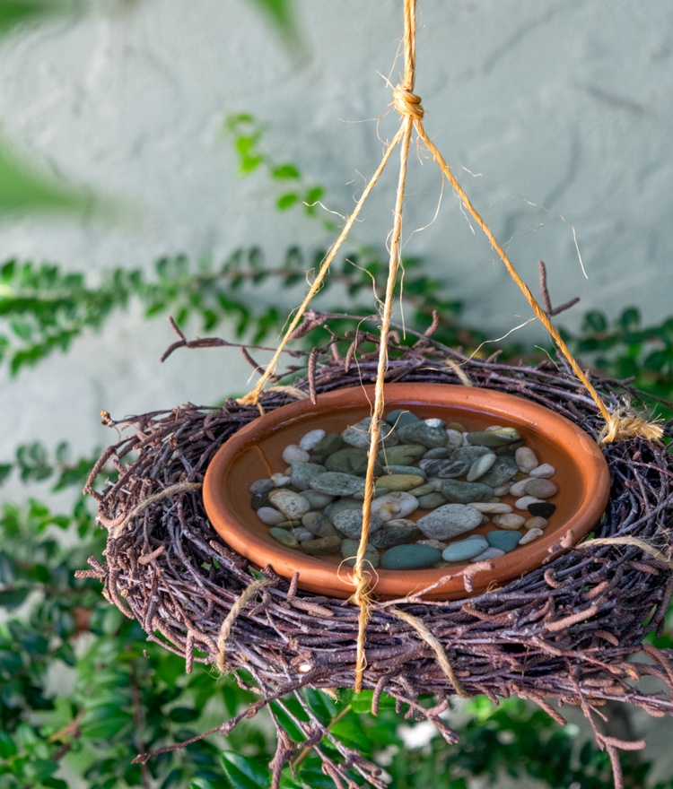 DIY Birdbath From Things You Probably Already Have