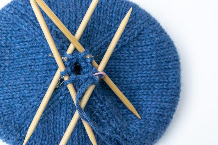 knit hat after pattern decreasing stitches